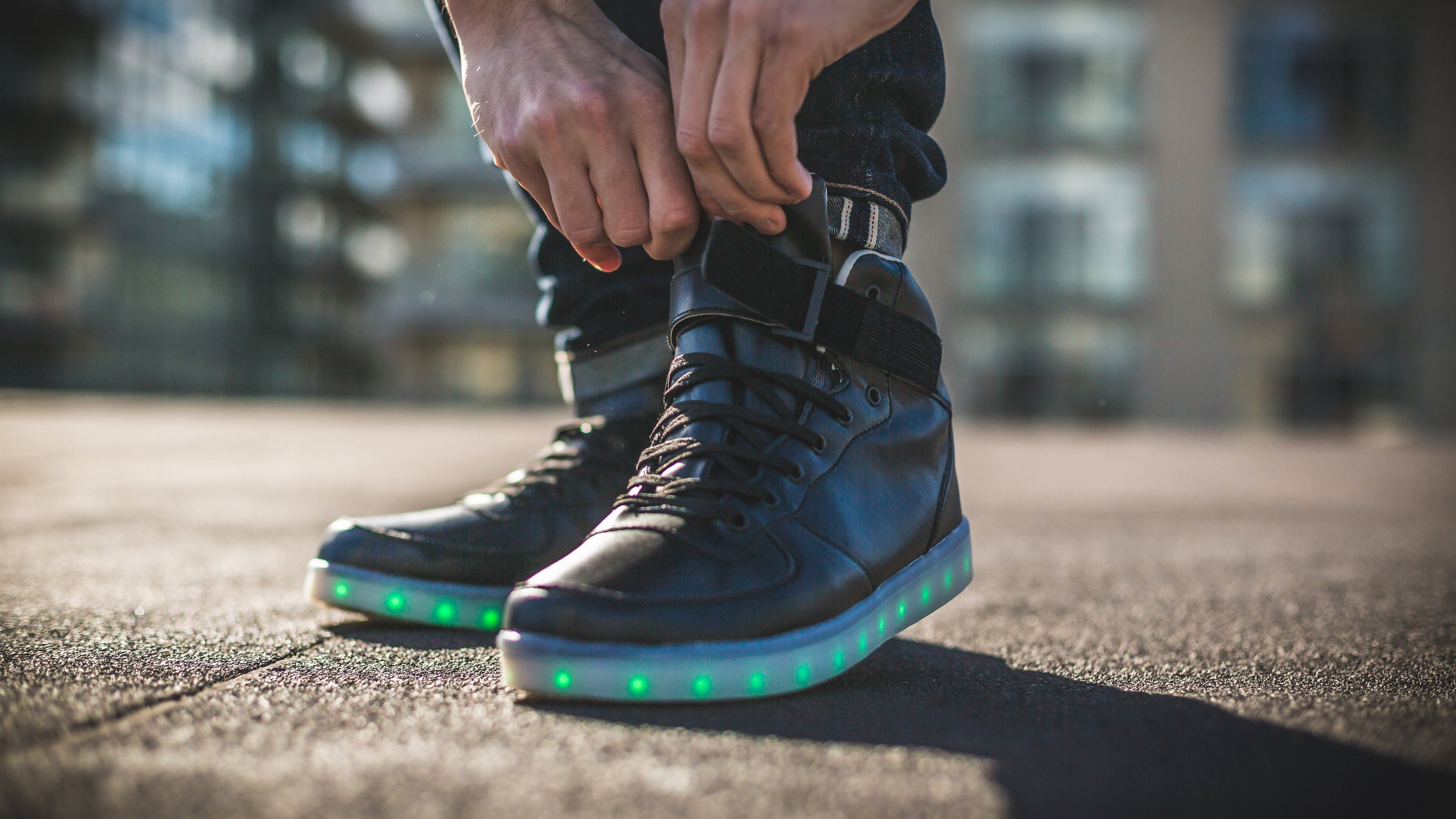 sneakers legs shoes backlight 4k 1540060850 - sneakers, legs, shoes, backlight 4k - sneakers, Shoes, legs