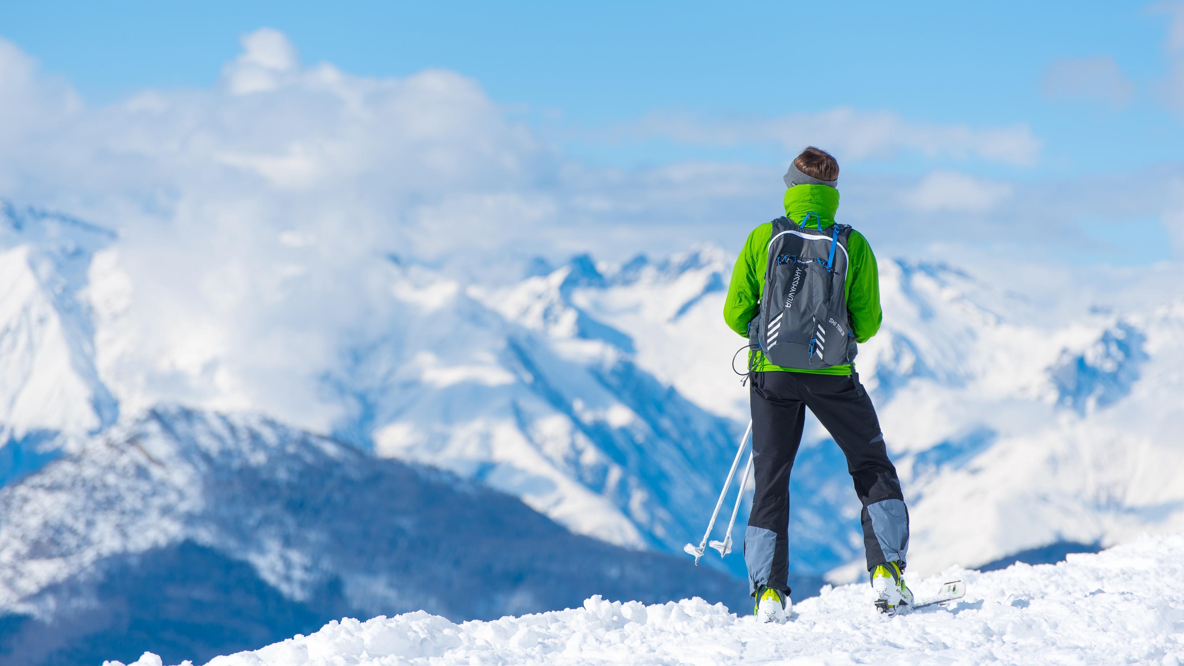 sportsman skiing mountain top tourist 4k 1540061897 - sportsman, skiing, mountain, top, tourist 4k - sportsman, Skiing, Mountain