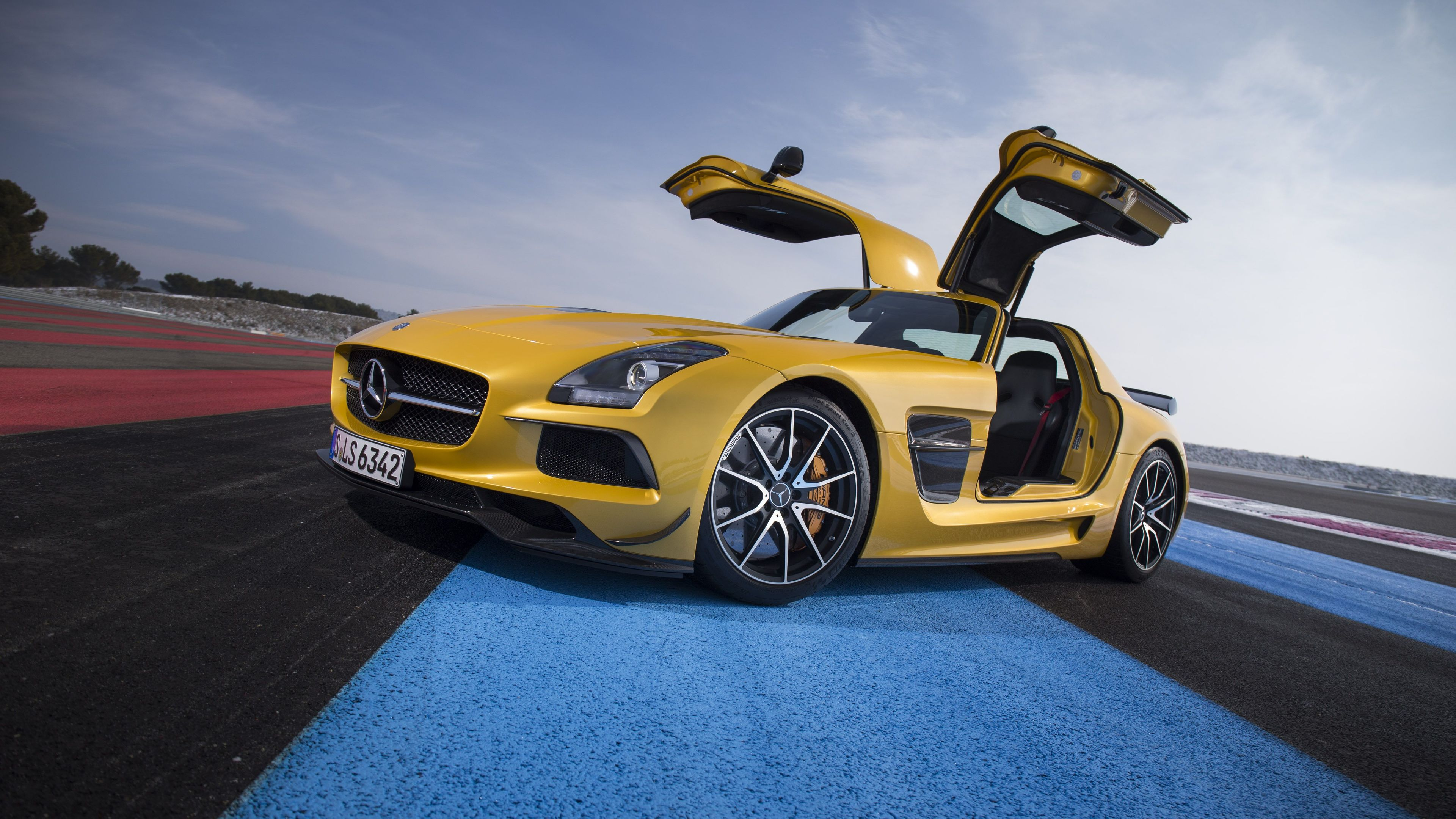 yellow mercedes benz amg gt 5k 1539114511 - Yellow Mercedes Benz Amg GT 5k - mercedes wallpapers, mercedes amg gtr wallpapers, hd-wallpapers, cars wallpapers, 5k wallpapers, 4k-wallpapers, 2018 cars wallpapers