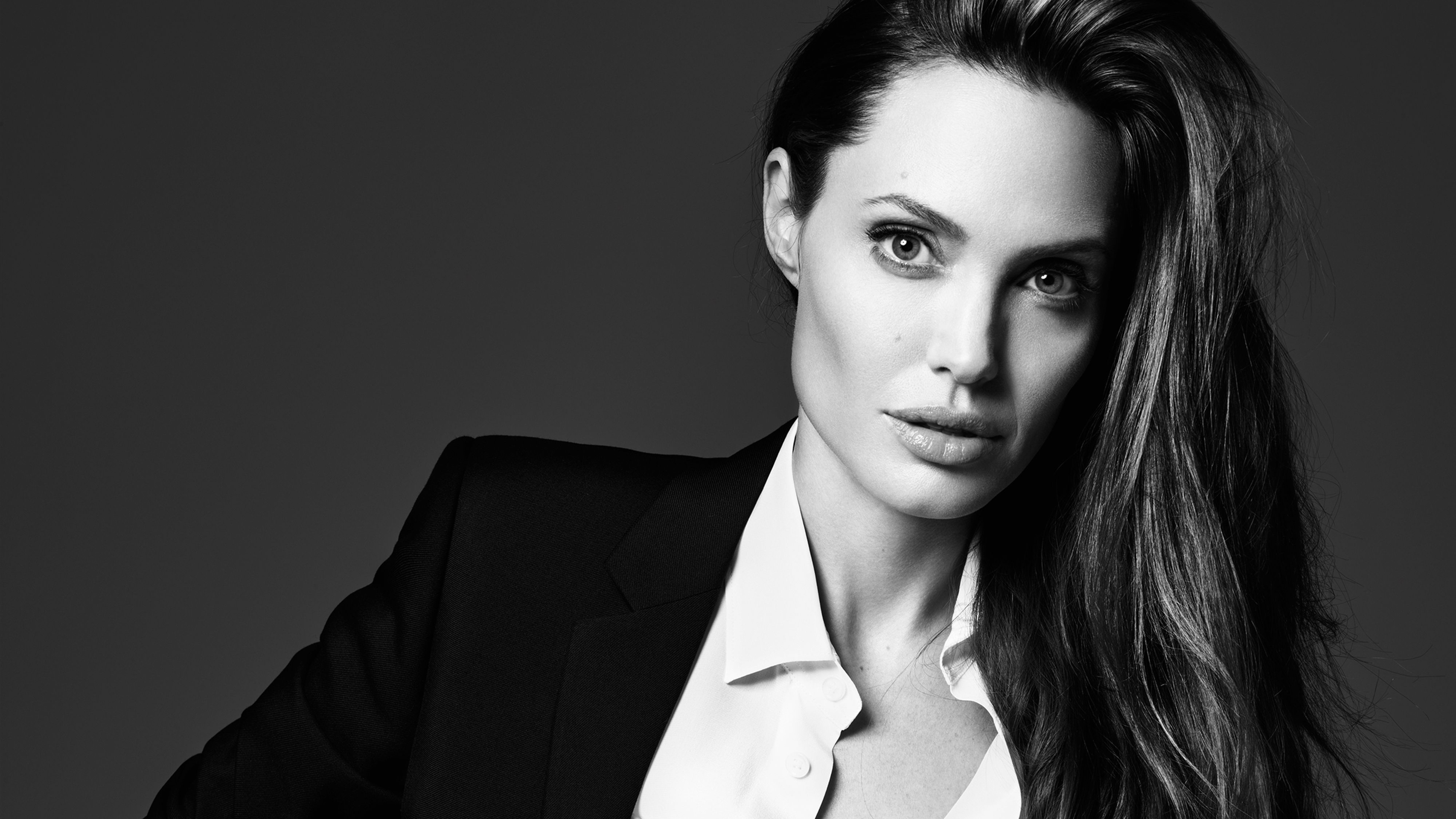 angelina jolie elle 2019 1543104597 - Angelina Jolie Elle 2018 - monochrome wallpapers, hd-wallpapers, girls wallpapers, celebrities wallpapers, black and white wallpapers, angelina jolie wallpapers, 4k-wallpapers