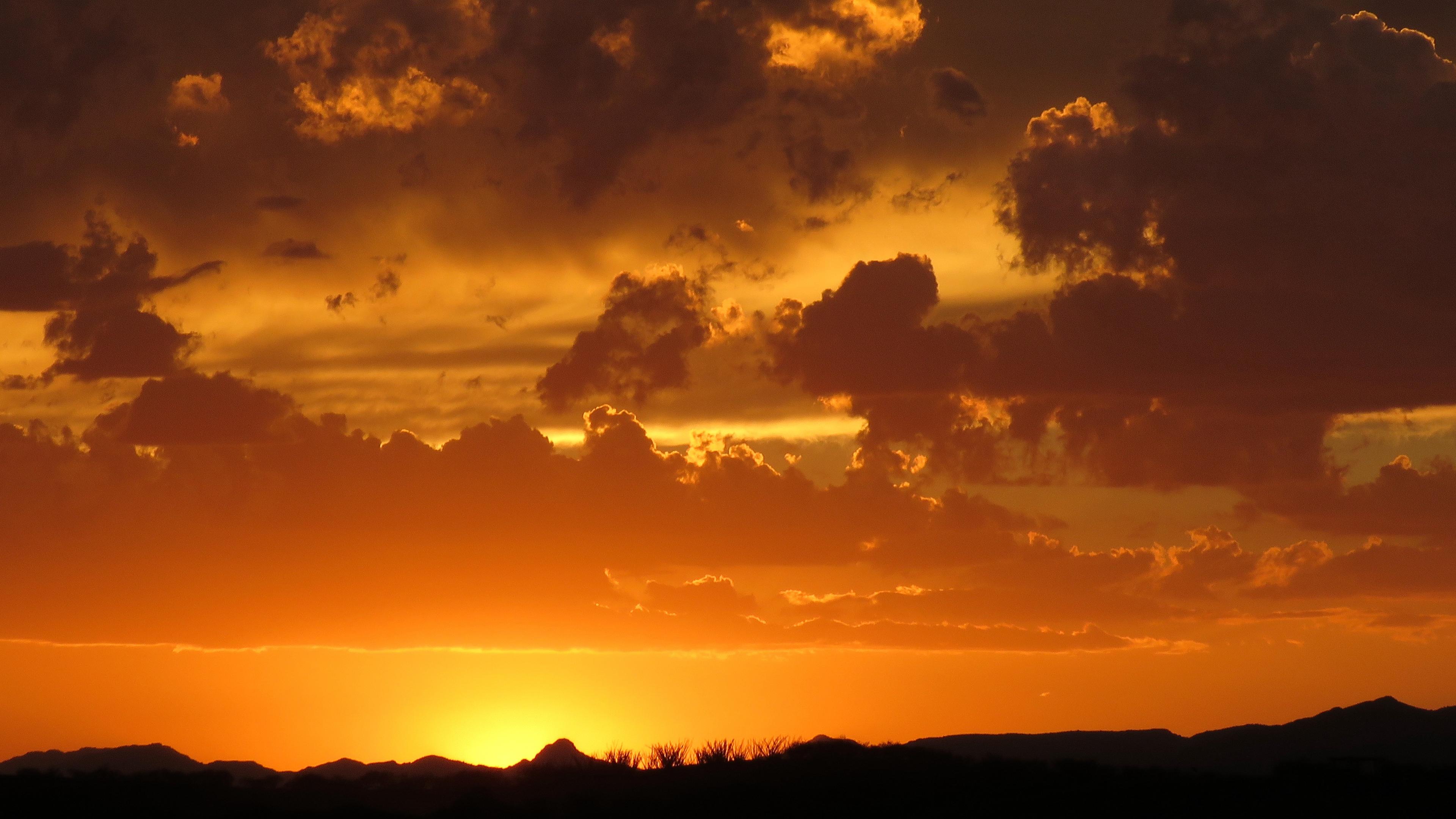 clouds horizon sunset sky cloudy 4k 1541113537 - clouds, horizon, sunset, sky, cloudy 4k - sunset, Horizon, Clouds