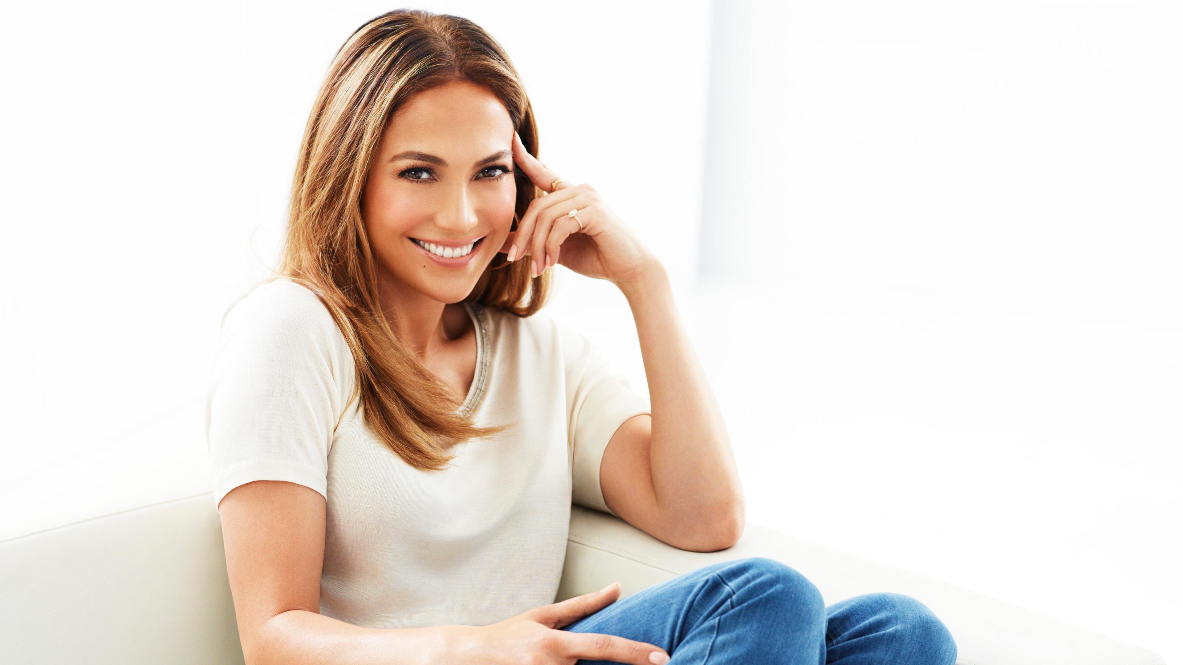 jennifer lopez smiling 2018 1542824644 - Jennifer Lopez Smiling 2019 - smile wallpapers, singer wallpapers, music wallpapers, jennifer lopez wallpapers, hd-wallpapers, girls wallpapers, celebrities wallpapers, 4k-wallpapers