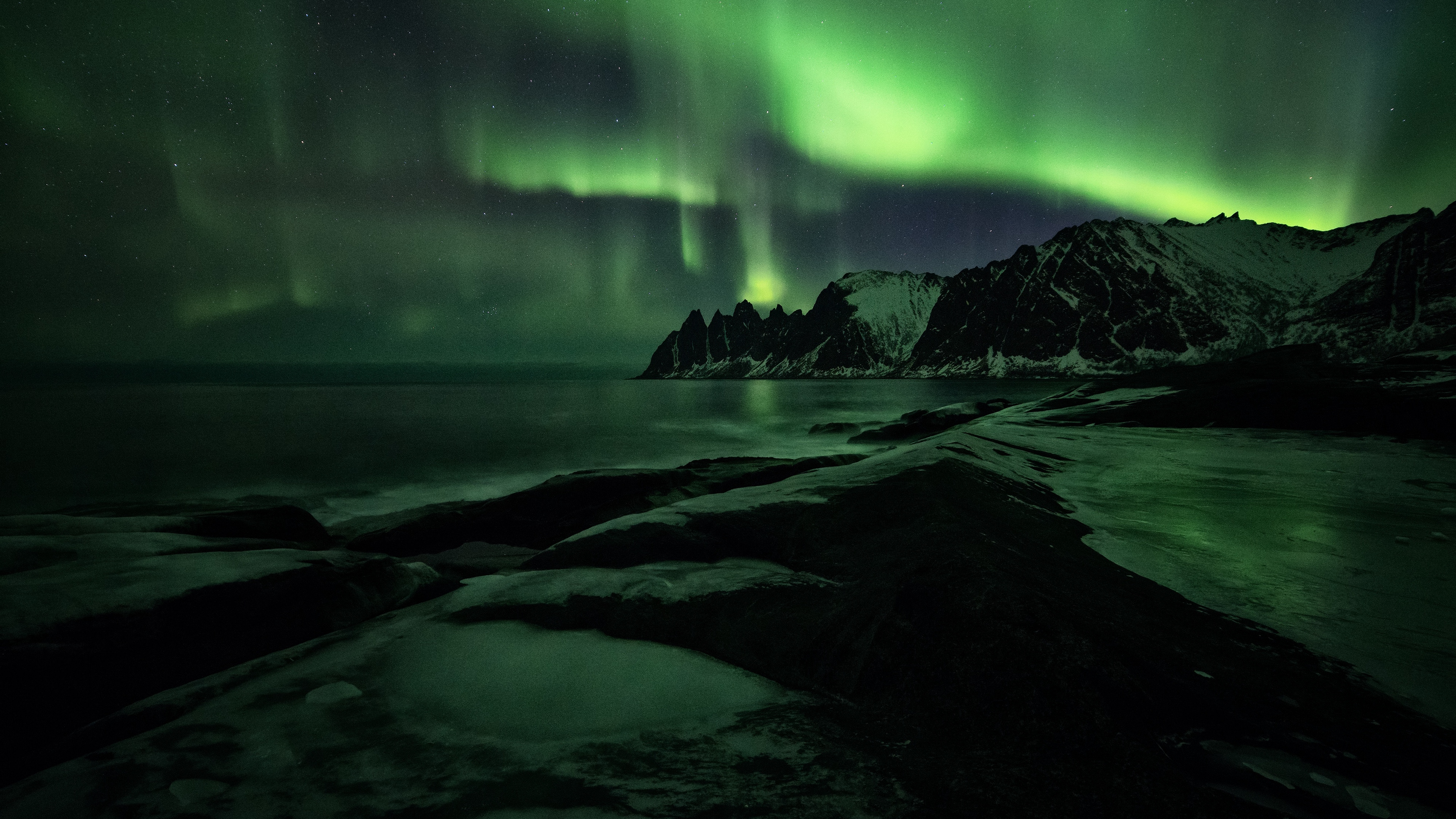 northern lights mountains shore snow 4k 1541115198 - northern lights, mountains, shore, snow 4k - Shore, northern lights, Mountains