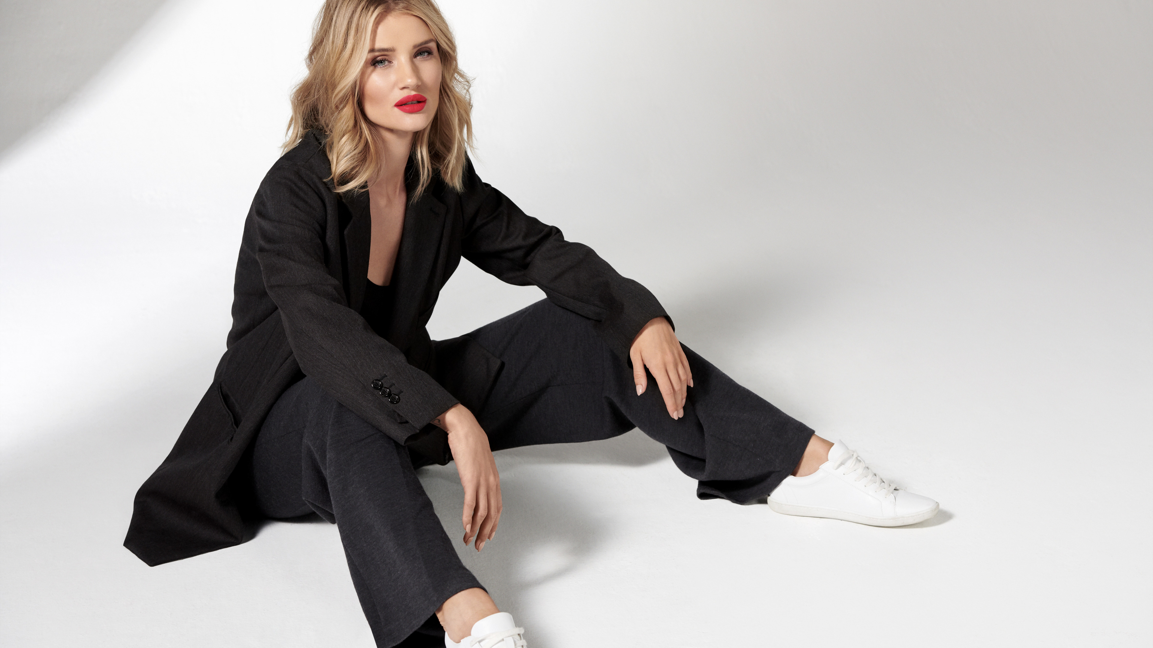 rosie huntington whiteley 4k 2018 1542236195 - Rosie Huntington Whiteley 4k 2018 - rosie huntington whiteley wallpapers, hd-wallpapers, girls wallpapers, celebrities wallpapers, 4k-wallpapers