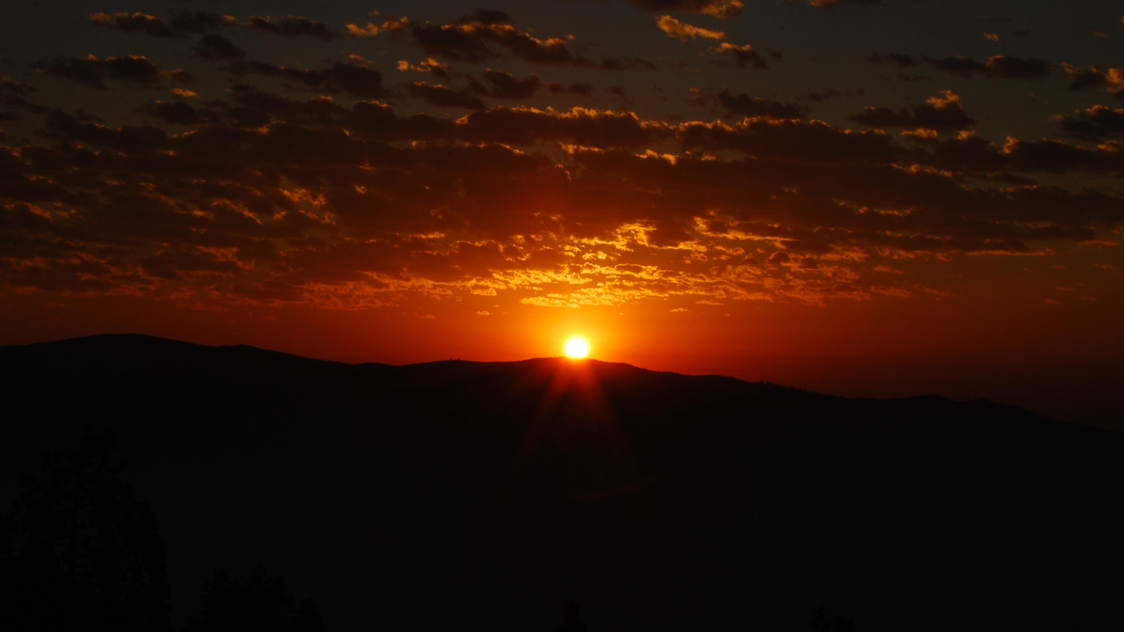 sunset horizon mountain clouds dark 4k 1541113521 - sunset, horizon, mountain, clouds, dark 4k - sunset, Mountain, Horizon