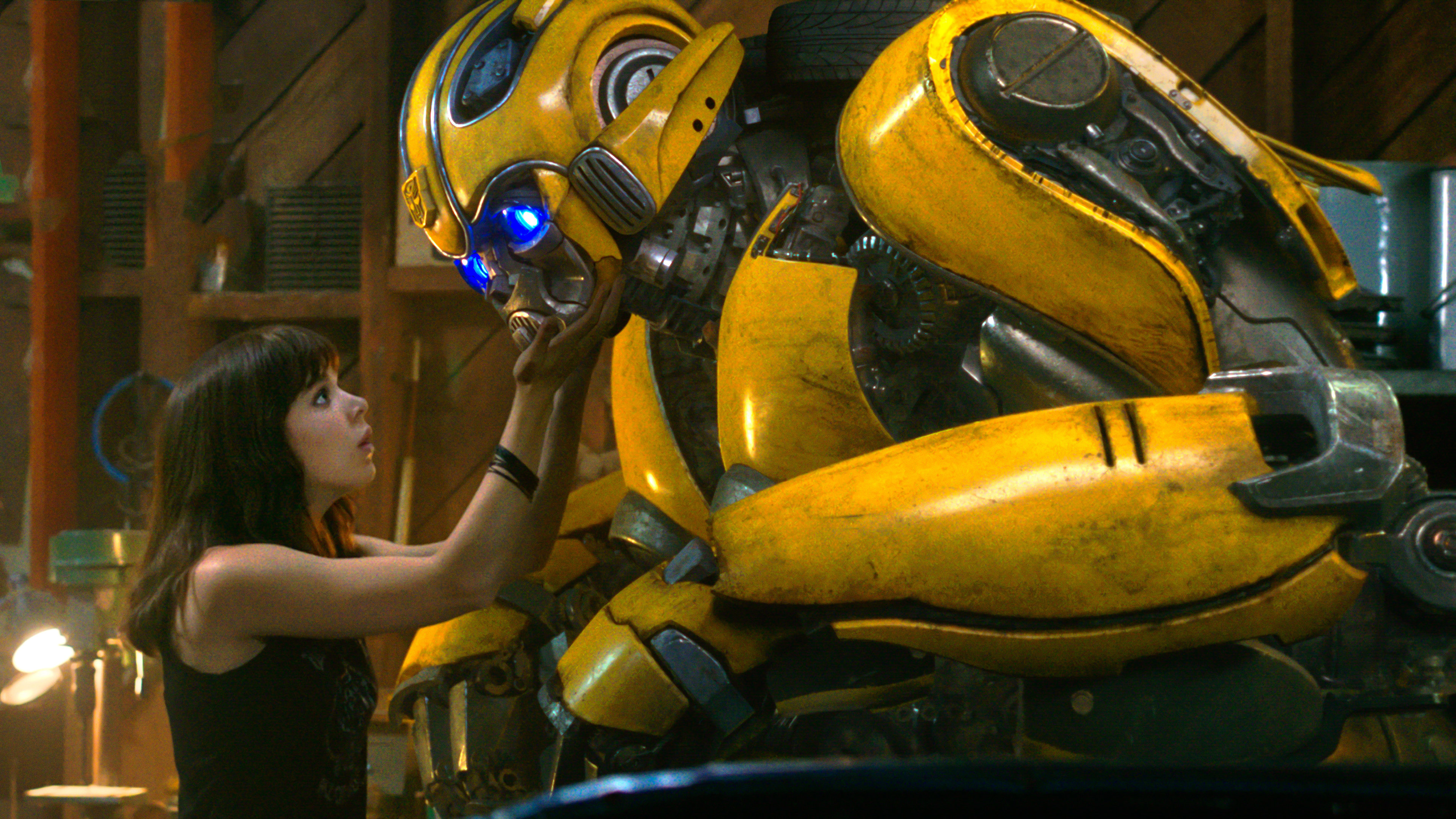 hailee steinfeld bumblebee movie 2018 4k wallpaper 1545590313 - Hailee Steinfeld Bumblebee Movie 2018 4K Wallpaper - Bumblebee (Movie 2018), Bumblebee