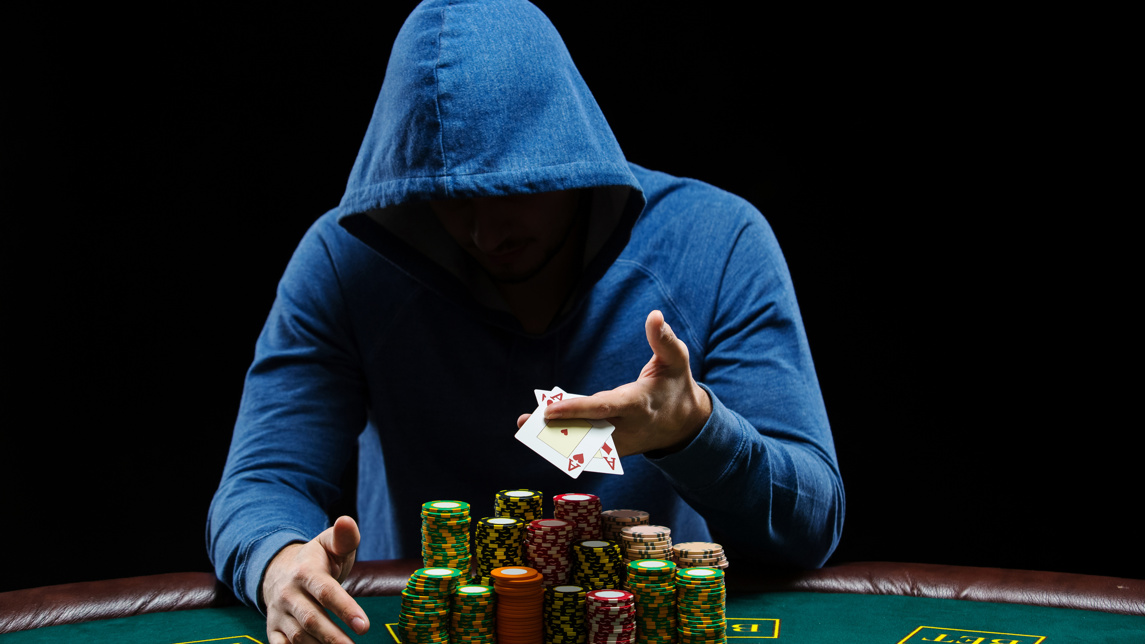 poker player 4k 1544287236 - Poker Player 4k - poker wallpapers, hd-wallpapers, games wallpapers, 5k wallpapers, 4k-wallpapers