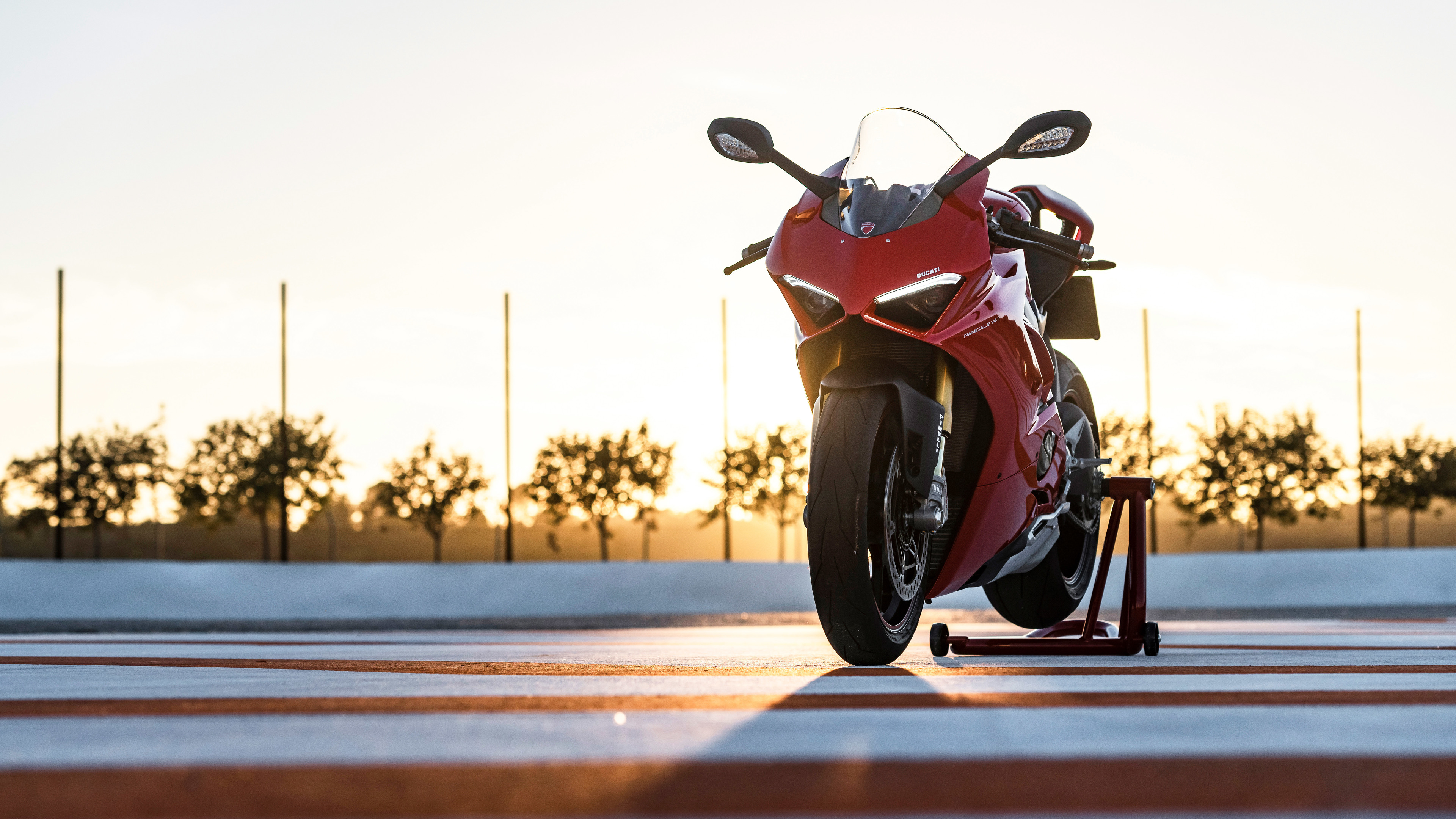 ducati panigale v4 4k 1547937832 - Ducati Panigale V4 4k - hd-wallpapers, ducati wallpapers, ducati panigale wallpapers, bikes wallpapers, 8k wallpapers, 5k wallpapers, 4k-wallpapers, 2018 bikes wallpapers