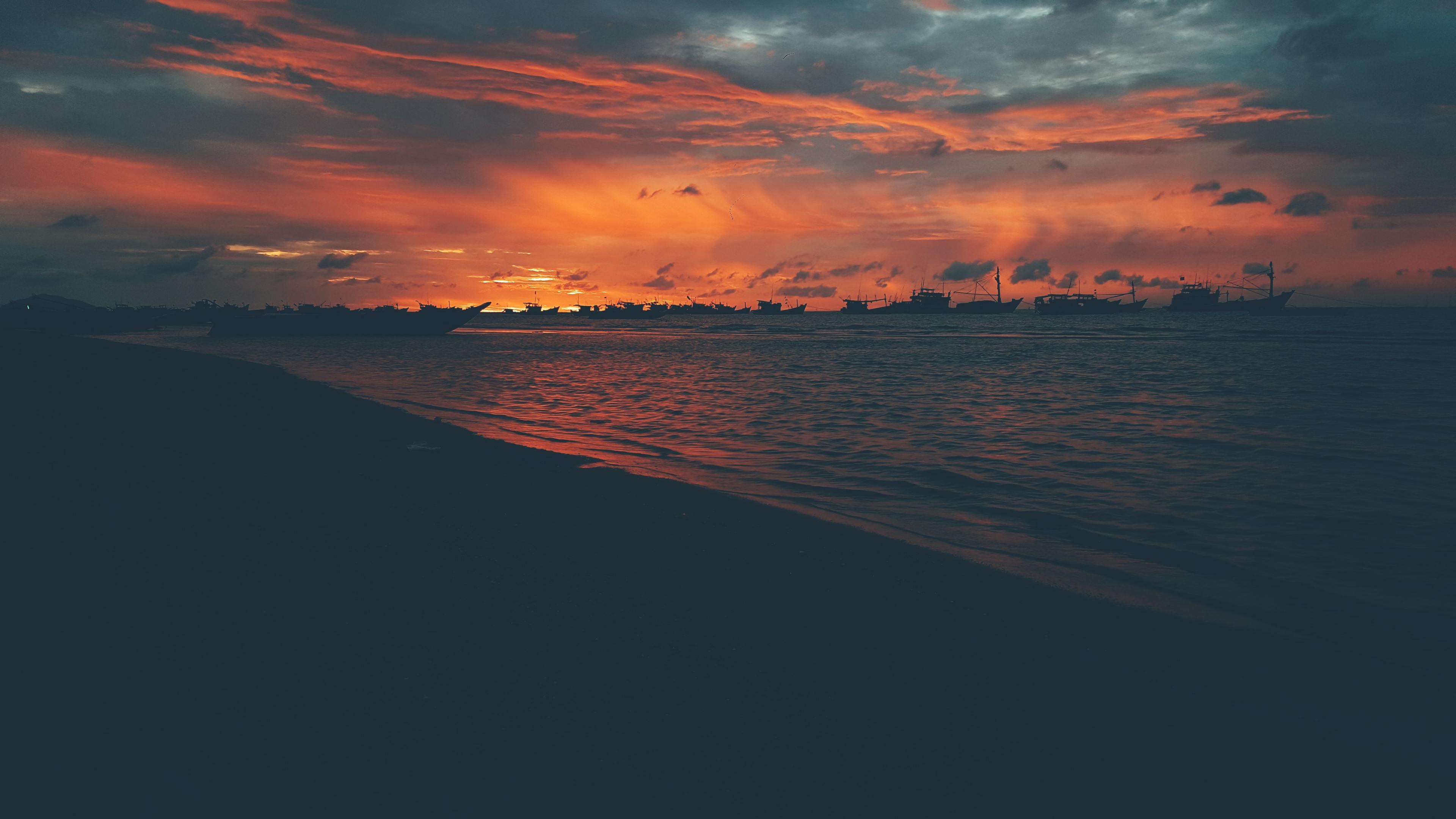 beach photo during golden hour 4k 1551643689 - Beach Photo During Golden Hour 4k - sunset wallpapers, photography wallpapers, nature wallpapers, hd-wallpapers, beach wallpapers, 4k-wallpapers