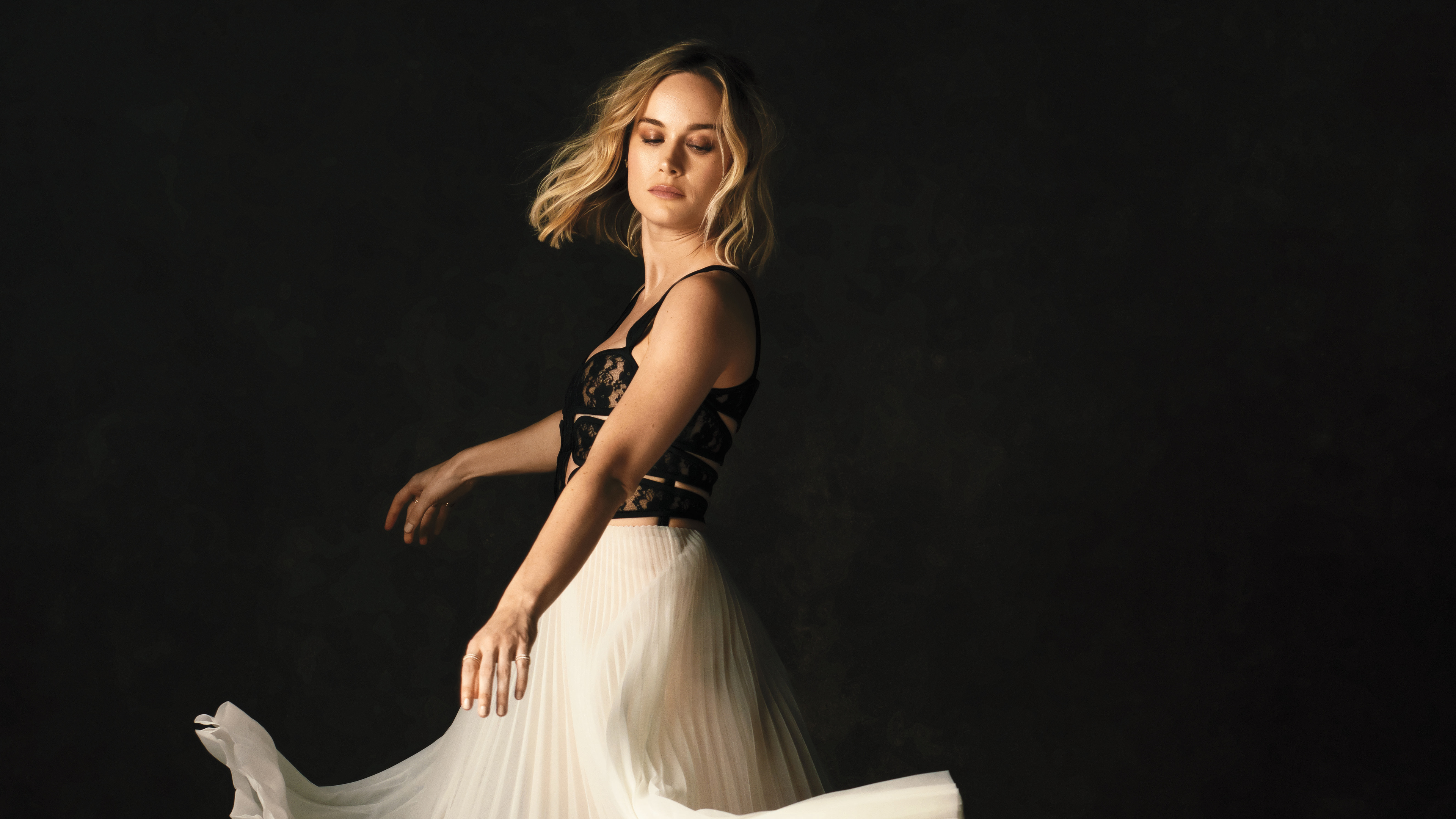 brie larson the hollywood reporter photoshoot 2019 4k 1553073379 - Brie Larson The Hollywood Reporter Photoshoot 2019 4k - photoshoot wallpapers, hd-wallpapers, girls wallpapers, celebrities wallpapers, brie larson wallpapers, 4k-wallpapers