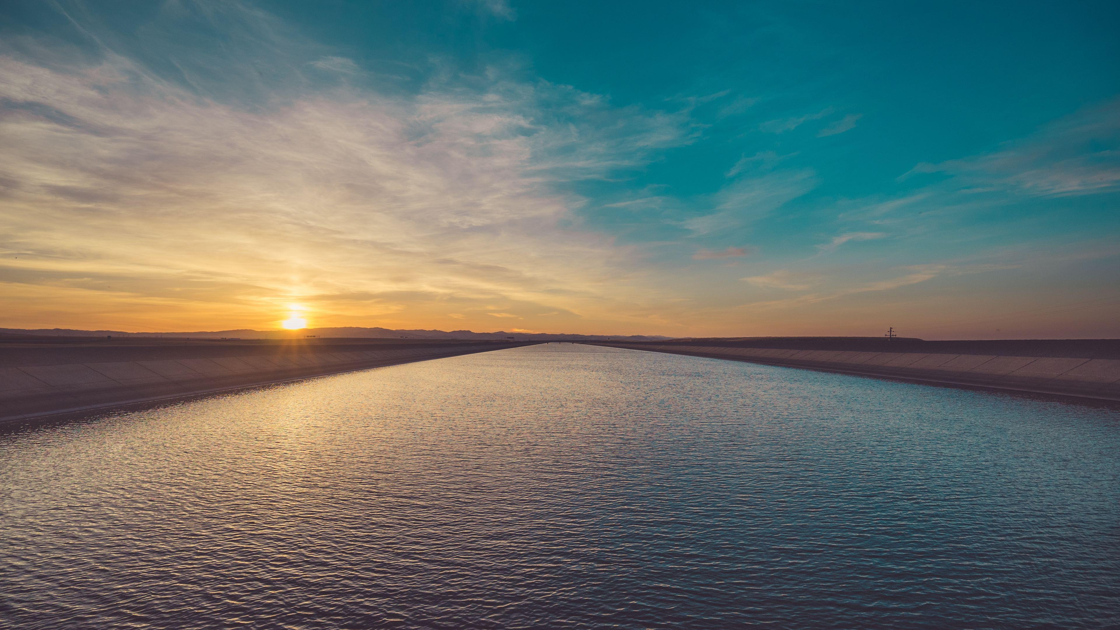 river landscape sun beams 4k 1551643681 - River Landscape Sun Beams 4k - sunset wallpapers, sunrise wallpapers, sunbeam wallpapers, sky wallpapers, river wallpapers, nature wallpapers, landscape wallpapers, hd-wallpapers, 4k-wallpapers