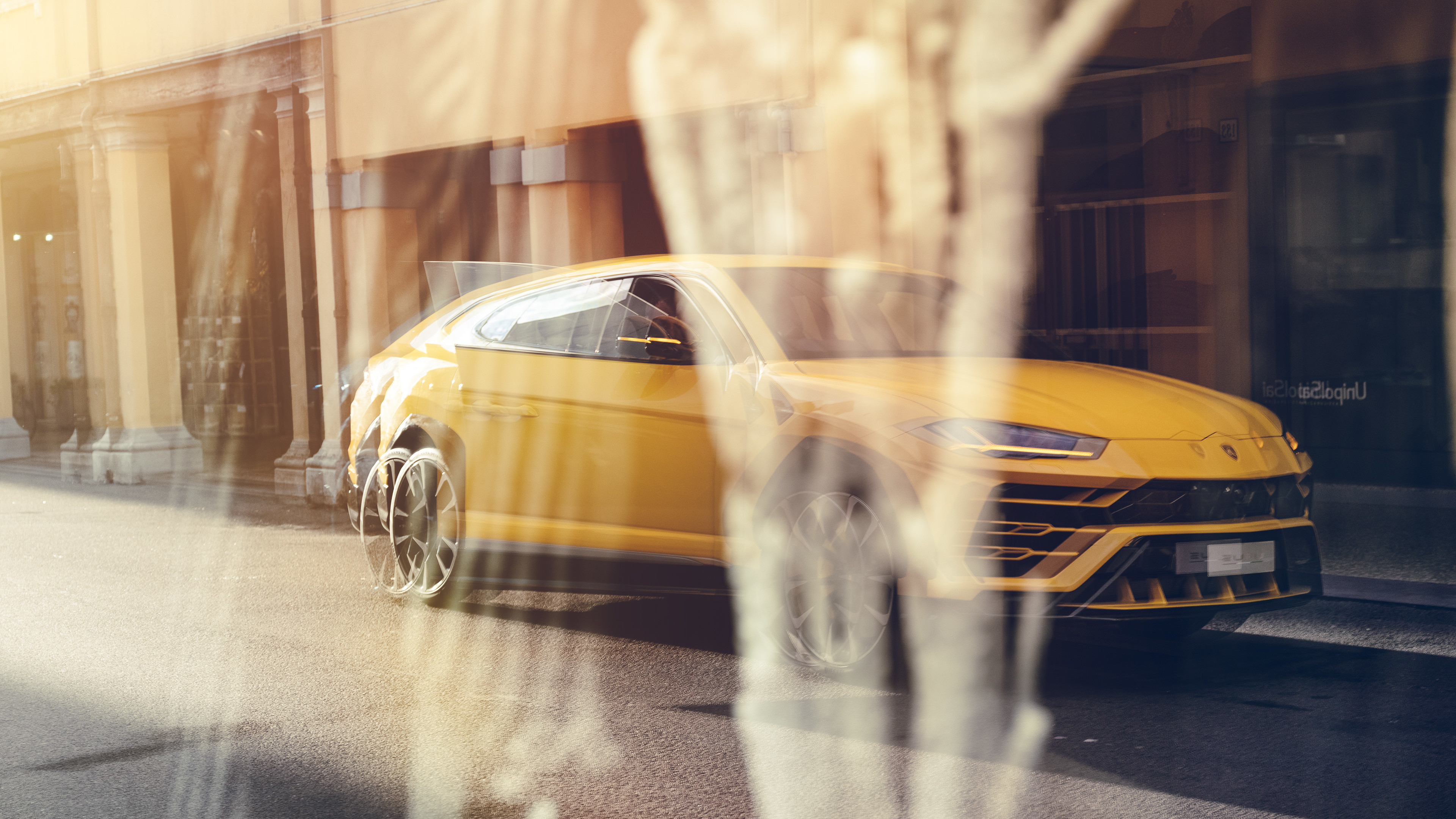 yellow lamborghini urus 2019 4k 1553075816 - Yellow Lamborghini Urus 2019 4k - suv wallpapers, lamborghini wallpapers, lamborghini urus wallpapers, hd-wallpapers, cars wallpapers, behance wallpapers, 4k-wallpapers, 2019 cars wallpapers