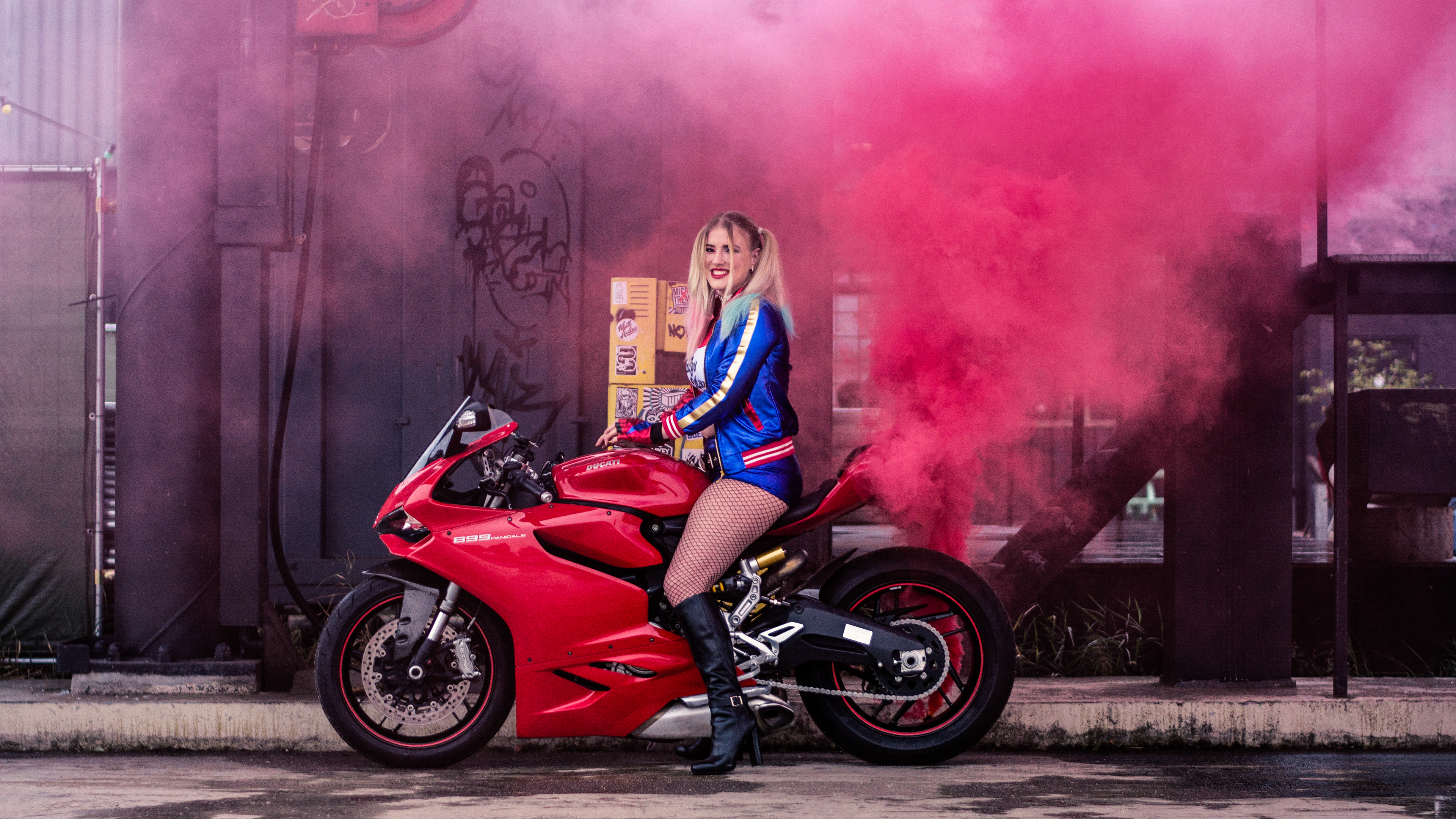 harley quinn on ducati cosplay 4k 1556184883 - Harley Quinn On Ducati Cosplay 4k - superheroes wallpapers, hd-wallpapers, harley quinn wallpapers, cosplay wallpapers, behance wallpapers, 4k-wallpapers