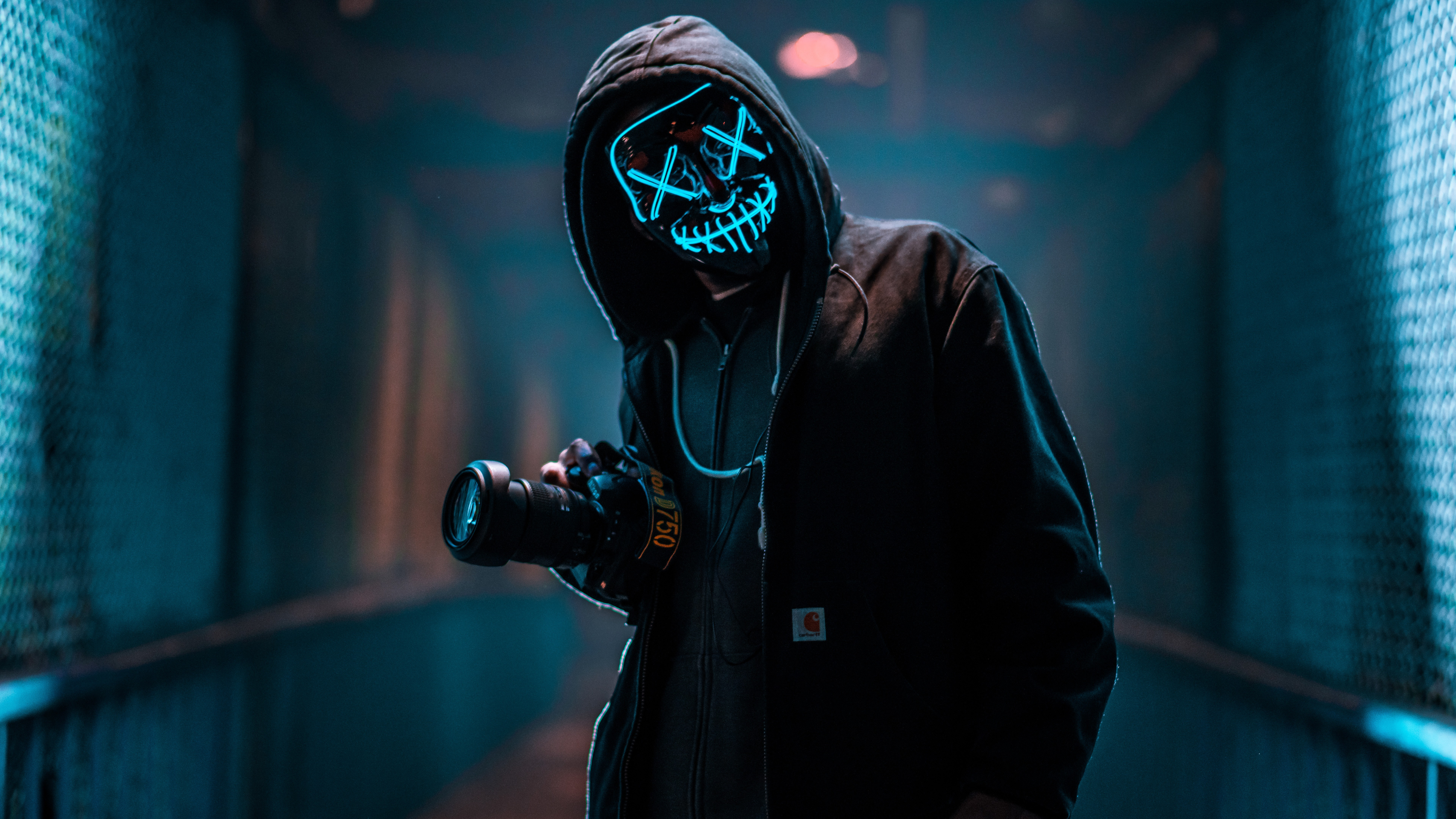 mask guy with dslr 1574938471 - Mask Guy With Dslr -