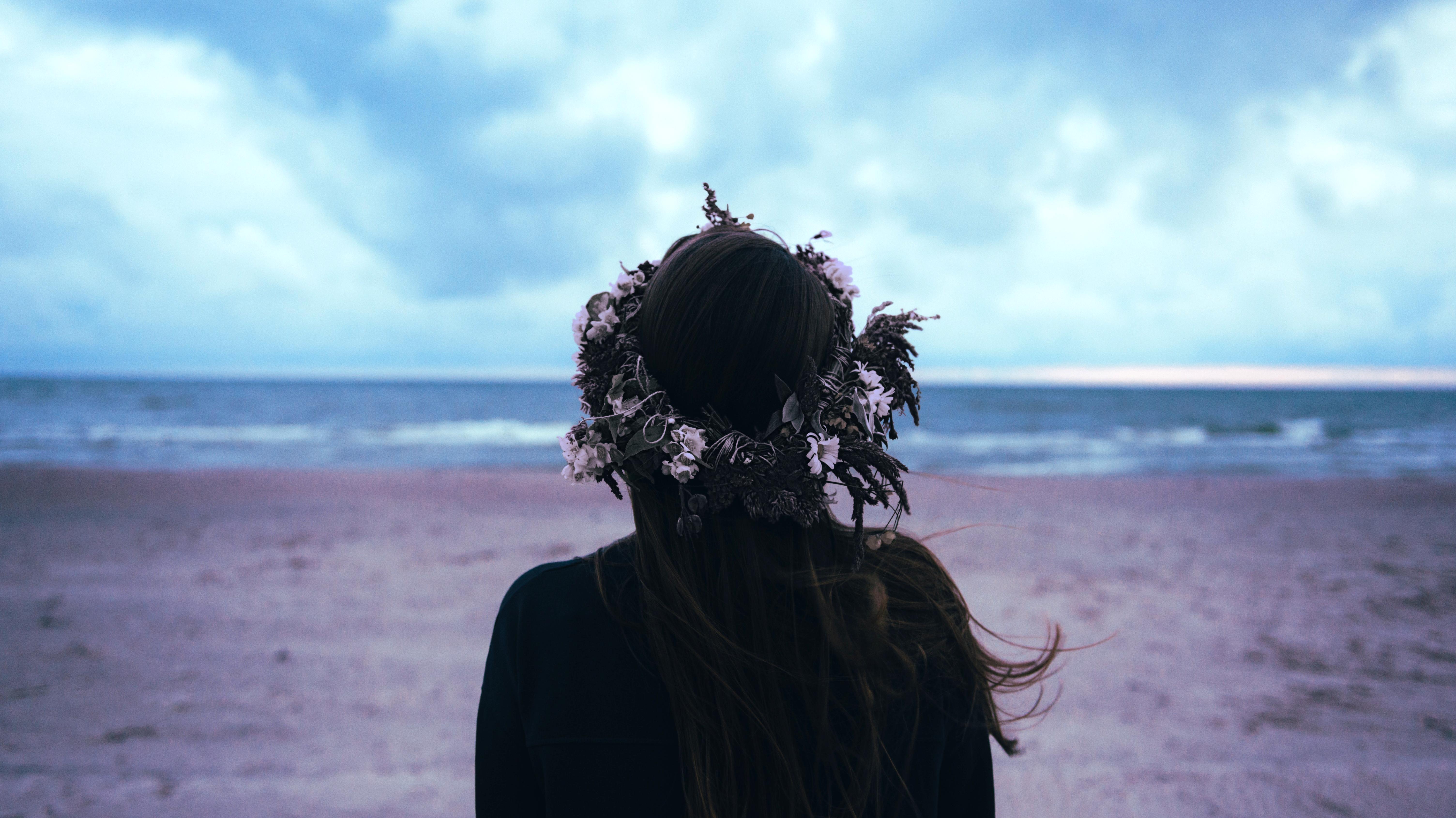 flower crown on head 1575664732 - Flower Crown On Head -