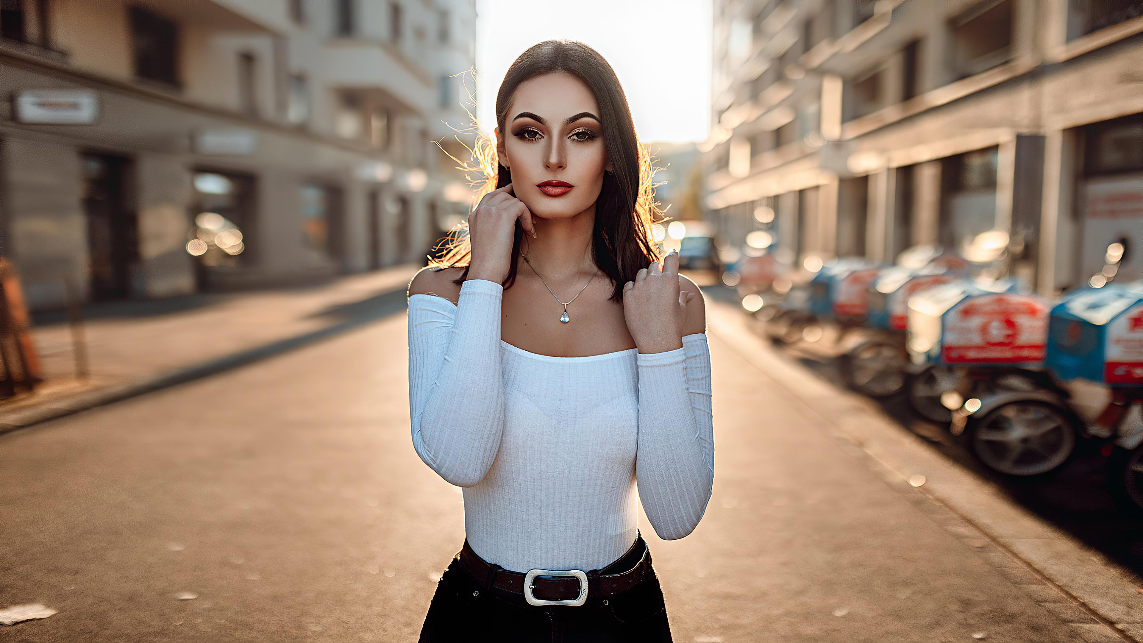 girl brunette street 1575665958 - Girl Brunette Street -