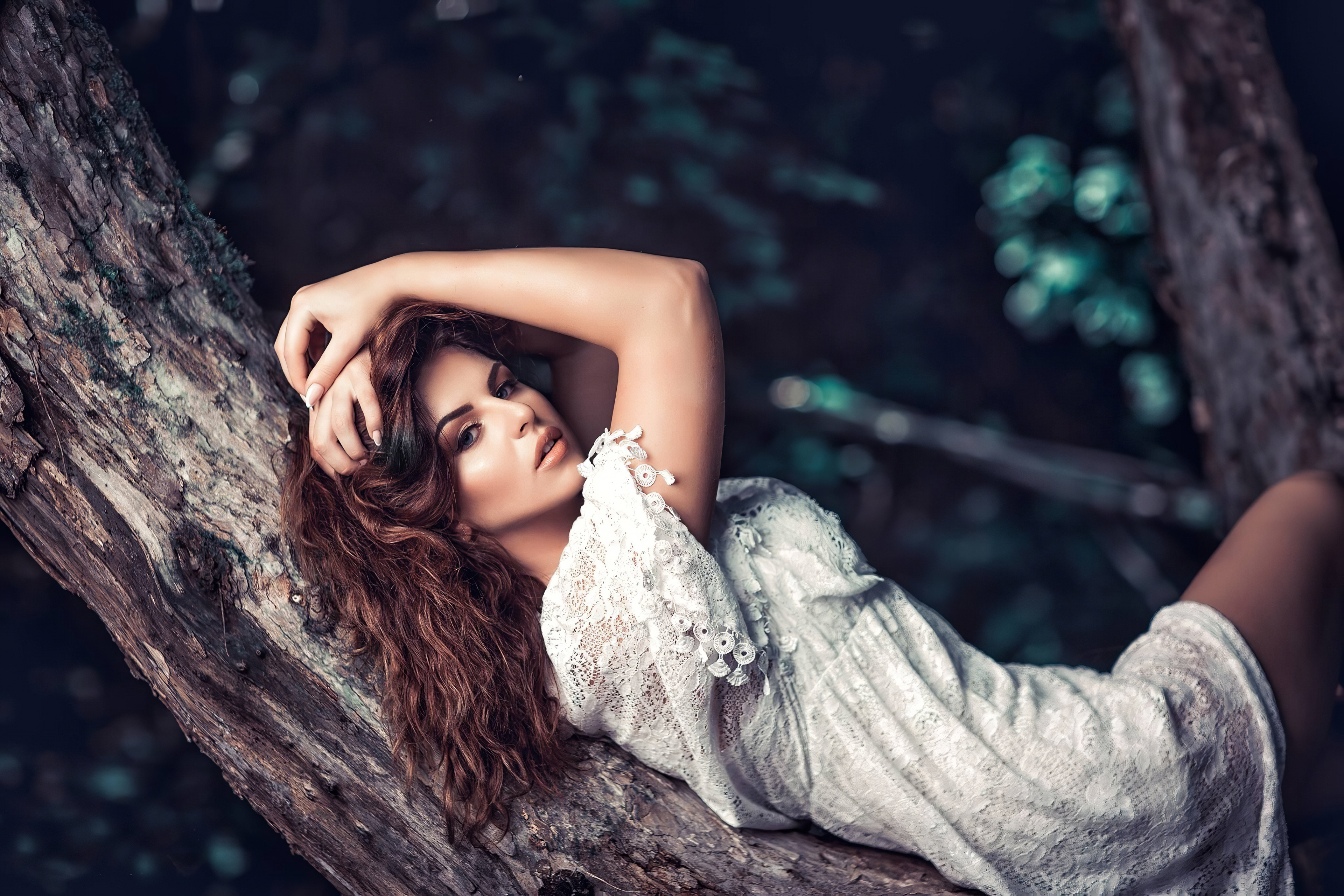 girl lying on a tree branch 1575666208 - Girl Lying On A Tree Branch -