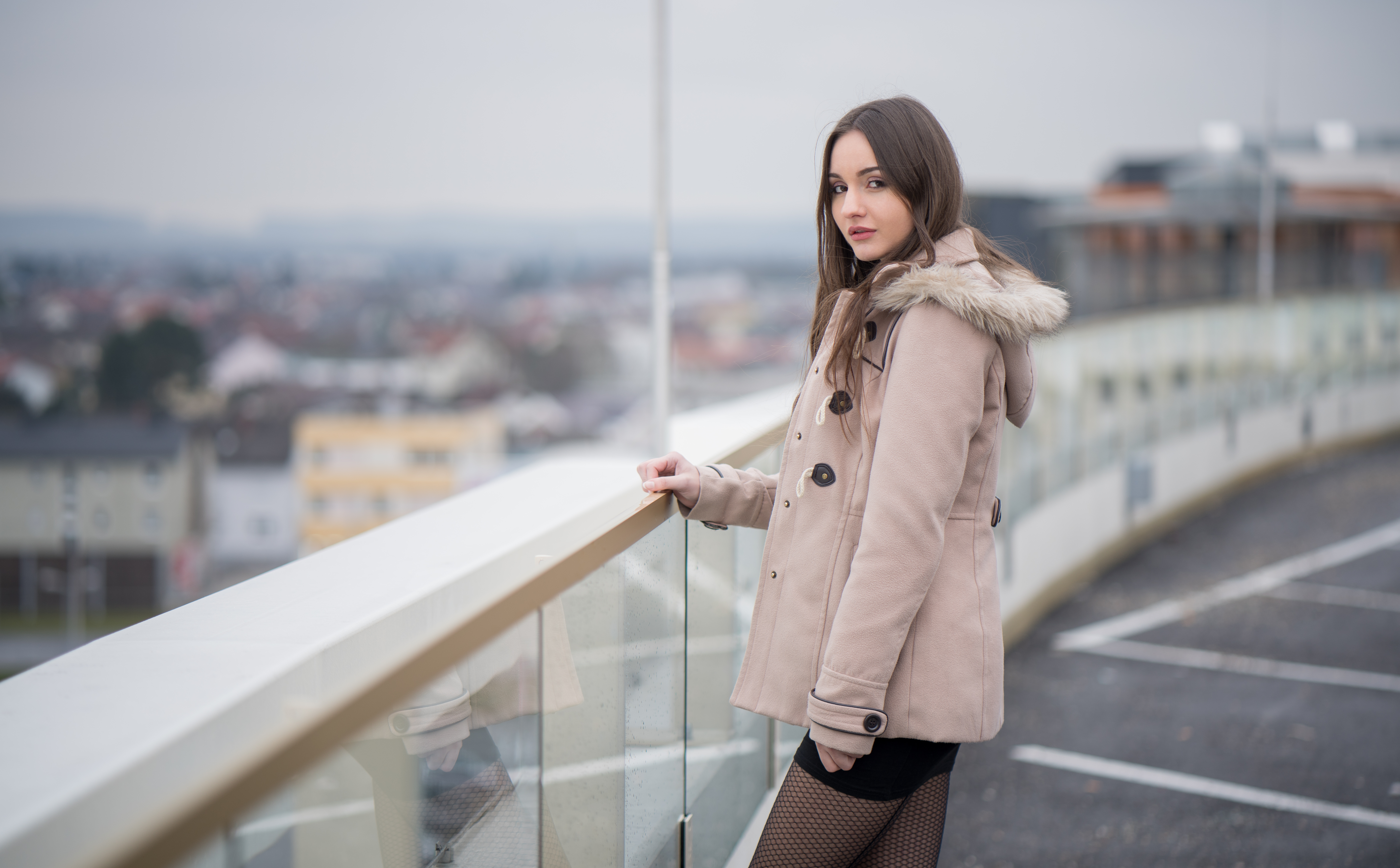 girl standing roof side 1575665980 - Girl Standing Roof side -