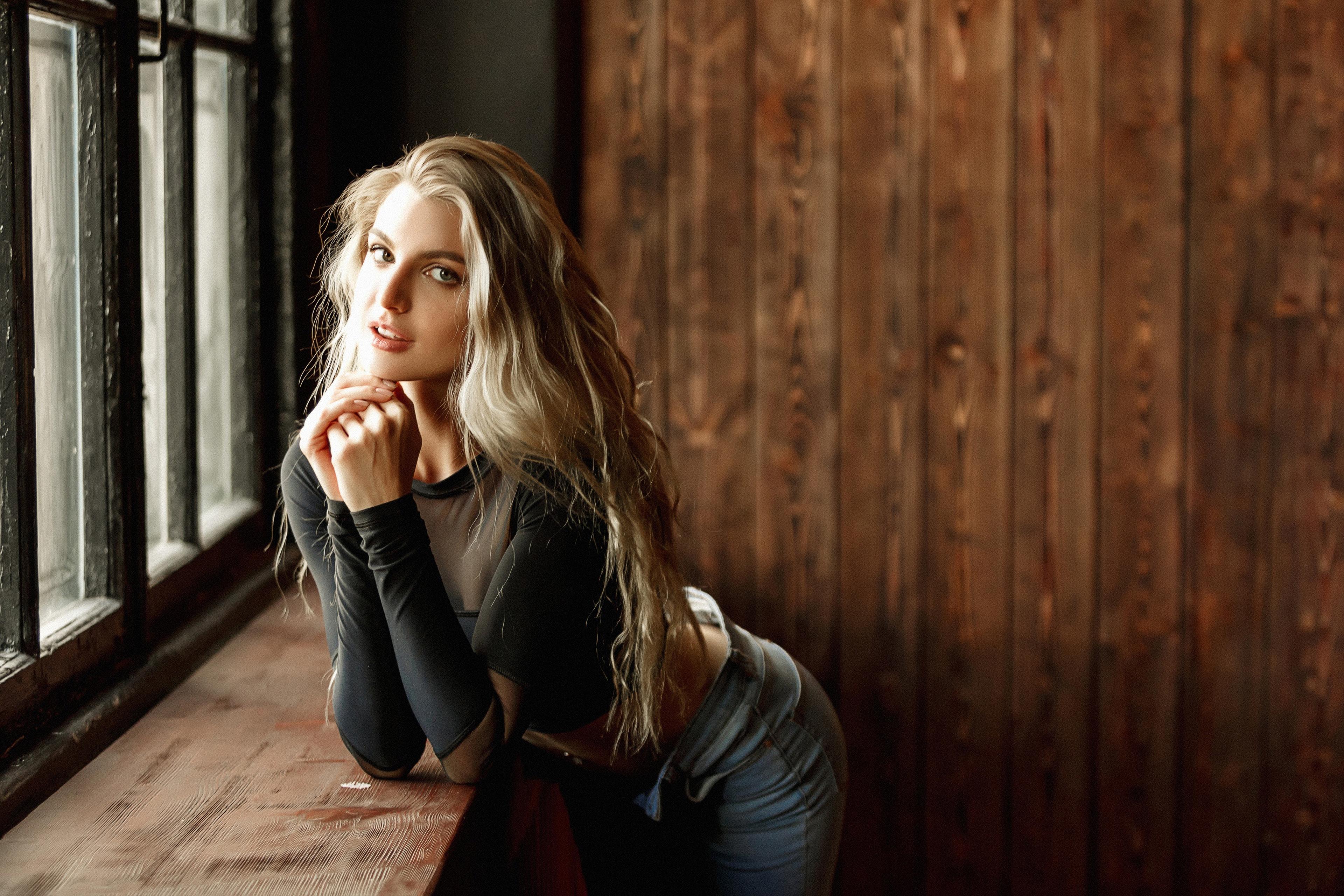 long hair blonde girl 1575665894 - Long Hair Blonde Girl -