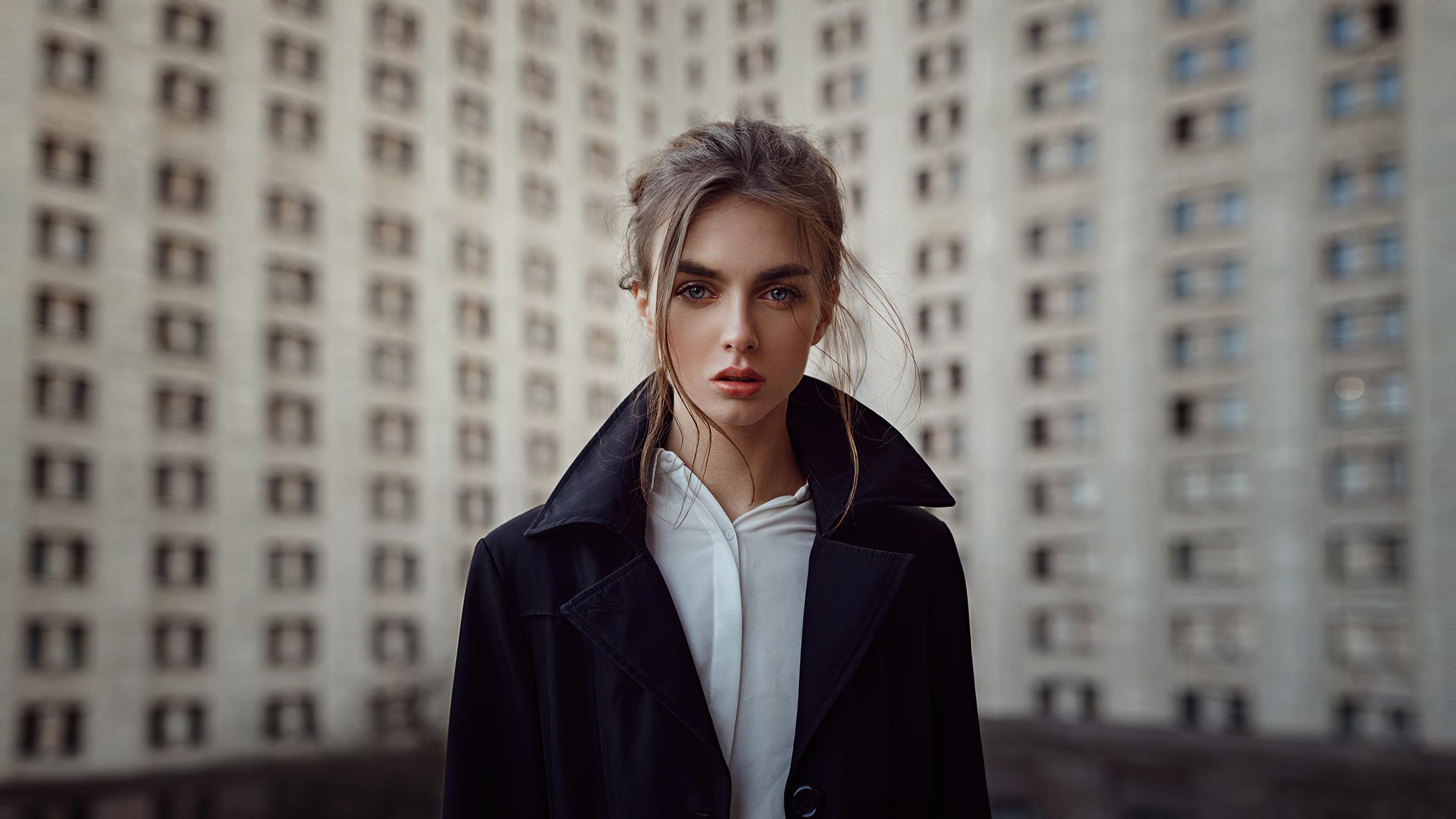 model portrait beautiful eyes outdoors 1575666025 - Model Portrait Beautiful Eyes Outdoors -
