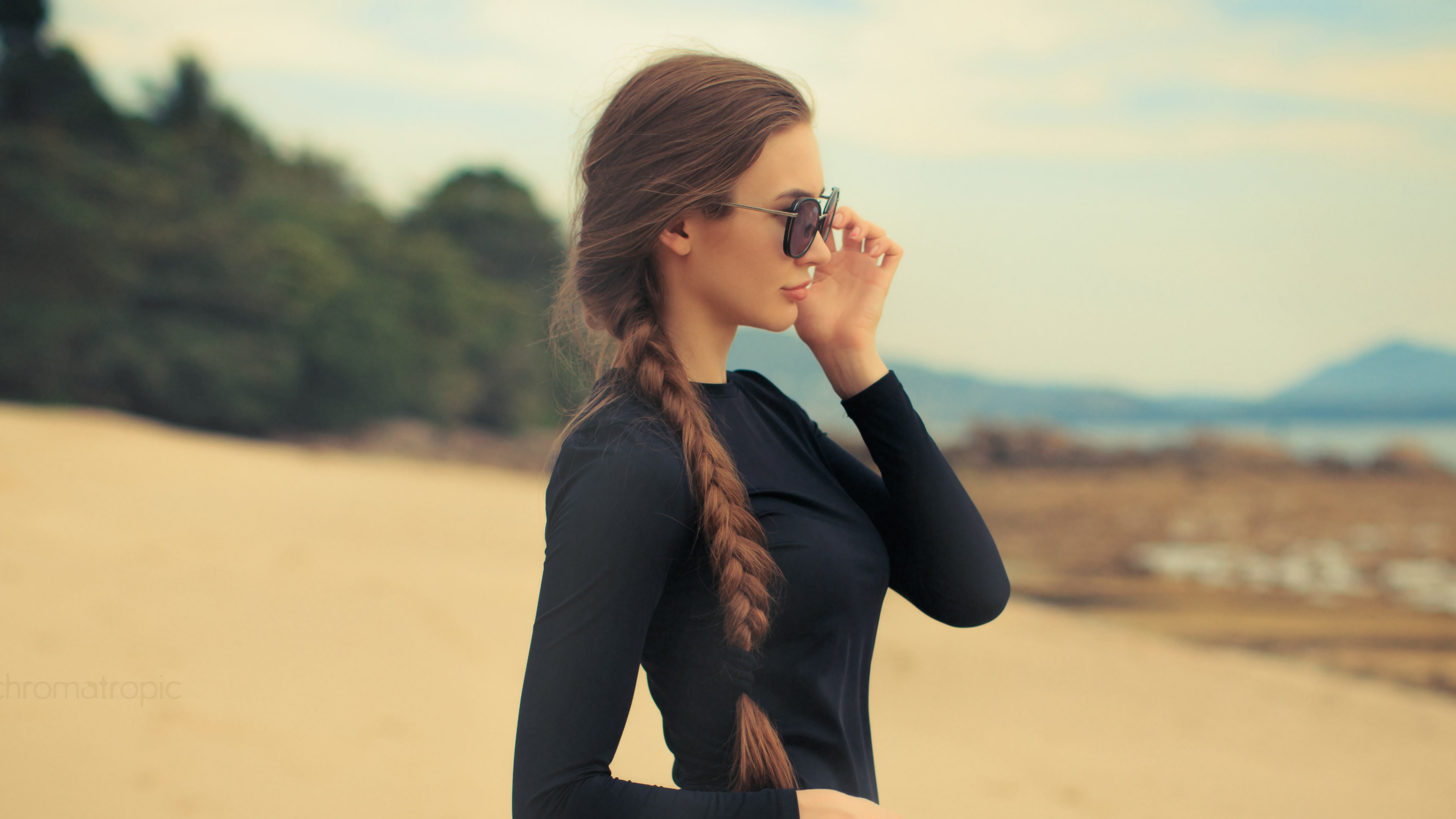women with shades 1575664977 - Women With Shades -