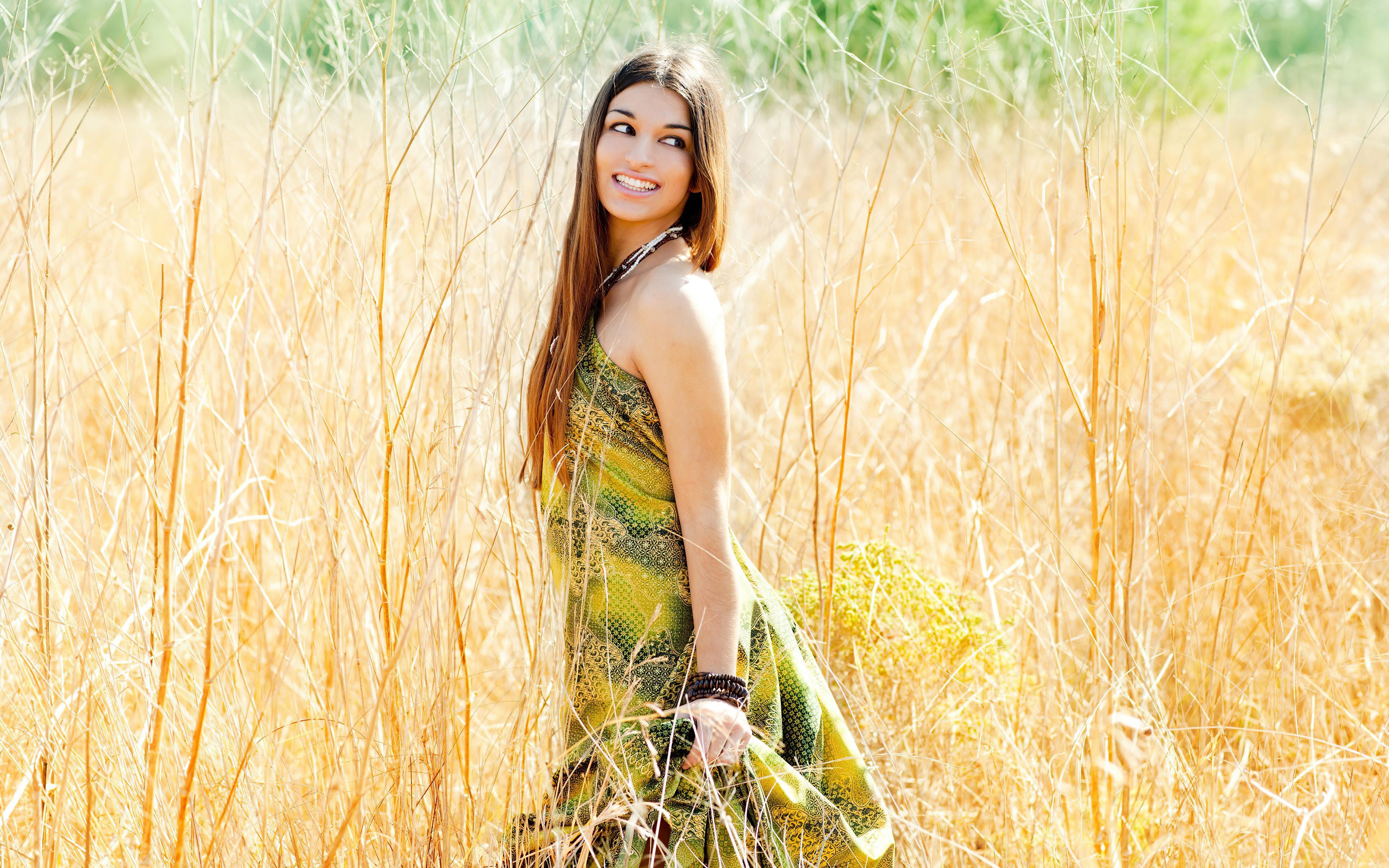 girl smiling summer of field 4k 1596916341 - Girl Smiling Summer Of Field 4k -