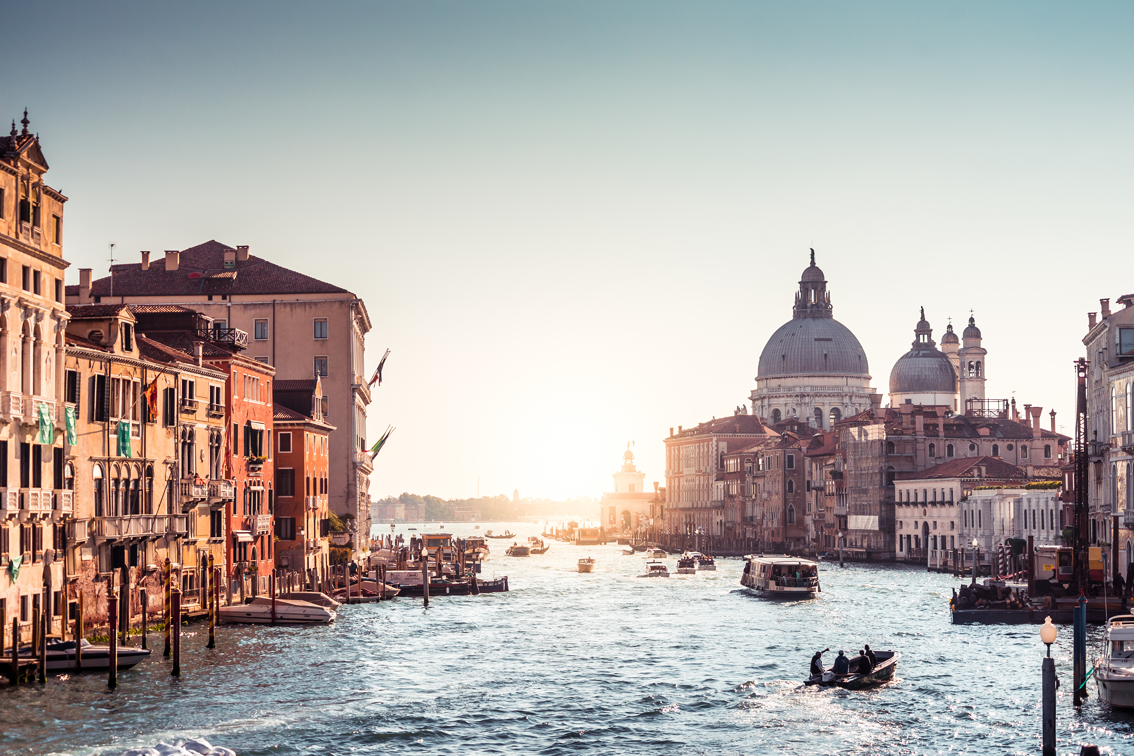 italy riverboat sunrises and sunsets grand canal 4k 1608983164 - Italy Riverboat Sunrises And Sunsets Grand Canal 4k - Italy Riverboat Sunrises And Sunsets Grand Canal 4 wallpapers